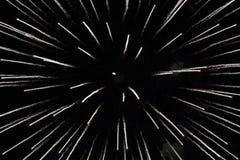 Фейерверки белые на черноте Стоковые Изображения