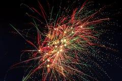 Фейерверки в небе ночи Стоковая Фотография RF