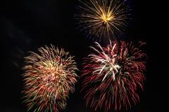 Фейерверки в темном небе Стоковая Фотография RF