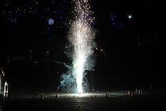 Фейерверки или фейерверки во время фестиваля Diwali или рождества Стоковые Фотографии RF
