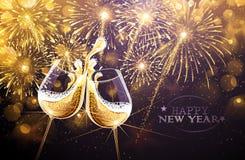 Фейерверки и шампанское Нового Года Стоковая Фотография