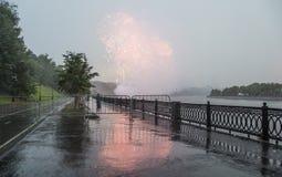 Фейерверки над Москвой около большой арены спорт Стоковое Изображение