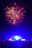 Фейерверки на концерте 3 Стоковые Изображения RF