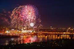 Фейерверки над рекой Стоковые Фото