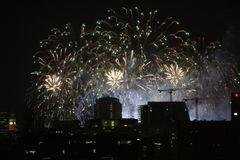 Фейерверки Новогодней ночи в Лондоне Стоковые Изображения RF