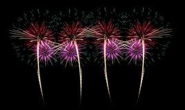 Фейерверки освещают вверх небо с ослеплять дисплеем стоковое фото rf