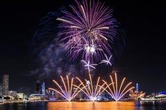 Фейерверк ` s национального праздника Сингапура Стоковая Фотография