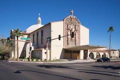 Феникс, Az, США 1 13 2018; Католическая церковь Св.а Франциск Св. Франциск Xavier, Феникс AZ США расположенные на гористой местно стоковые изображения rf