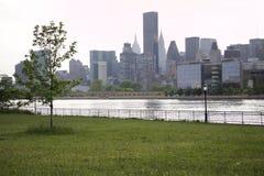 Ферзи - Нью-Йорк - взгляд Манхаттана Стоковое фото RF