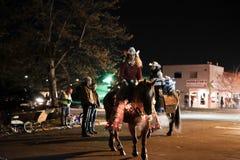 Ферзи родео подготавливают для парада праздника Стоковое фото RF