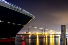 Ферзь Mary 2 в Гамбурге Стоковая Фотография RF