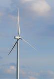 Ферма ветротурбины на горном склоне Стоковое Изображение RF