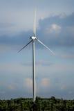 Ферма ветротурбины на горном склоне Стоковые Изображения RF