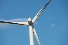 Ферма ветротурбины на горном склоне Стоковое фото RF