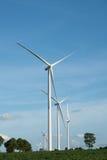 Ферма ветротурбины на горном склоне Стоковая Фотография