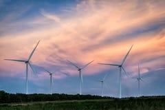 Ферма ветротурбины на горном склоне Стоковые Изображения