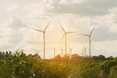 Ферма ветротурбины на горном склоне Стоковые Фотографии RF