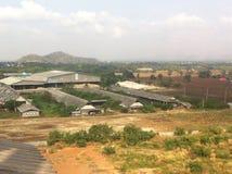 Ферма взгляд сверху на расположенном в центре страны в утре стоковая фотография