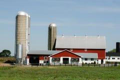Ферма и амбар Амишей в Ланкастере, PA Стоковая Фотография RF
