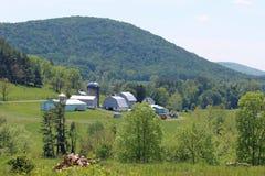 Ферма и холмы Стоковое фото RF