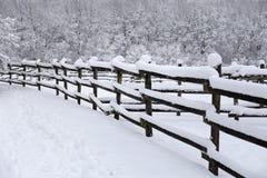Ферма лошади сельской окружающей среды пустая на wintertime стоковое изображение