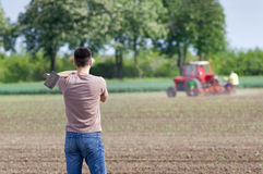 Фермер с сапкой Стоковые Изображения RF