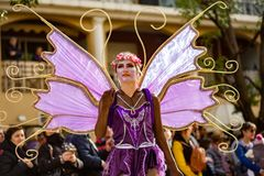 Фестиваль 2019 лимона Menton, улица Carnaval, фантастическая тема миров, портрет художника стоковые фото