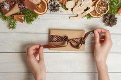 Фестиваль Нового Года взгляд сверху счастливые или концепция дня рождения и с Рождеством Христовым дня Стоковые Изображения RF