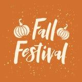 Фестиваль падения - текст руки вычерченный с тыквой иллюстрация штока