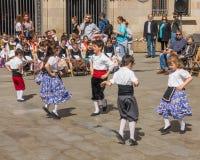 Фестиваль танцев каталонских детей традиционный Стоковое Фото