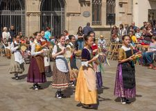 Фестиваль танцев каталонского подростка традиционный Стоковые Изображения