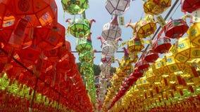 Фестиваль фонарика лотоса в виске Samgwangsa, Пусане, Южной Корее, Азии сток-видео