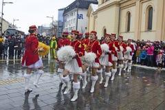 Фестиваль majorettes на улице стоковое фото rf