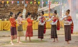 Фестиваль Songkran, тайские девушки и девушки Лаоса Стоковое Изображение RF