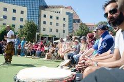Фестиваль 100 барабанчиков на день работников Стоковая Фотография