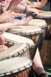 Фестиваль 100 барабанчиков на день работников Стоковые Изображения