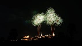 Фестиваль фейерверков на Khoa Wang в Таиланде Стоковое Фото