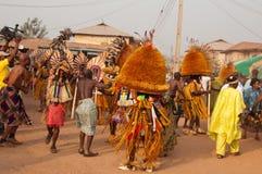 Фестиваль Otuo Ukpesose - Itu Masquerade в Нигерии Стоковое Изображение RF