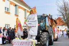 Фестиваль Ptuj масленицы Kurents стоковая фотография