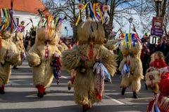 Фестиваль Ptuj масленицы Kurents стоковые изображения