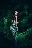 Фея фантазии в загадочном лесе Стоковое фото RF