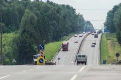 Федеральное шоссе в зоне Kaluga России стоковые фотографии rf