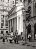 Федеральный Hall на Уолл-Стрите в Нью-Йорке Стоковое Изображение RF