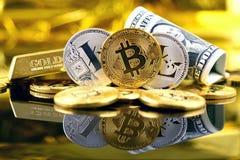 Физическая версия денег Bitcoin и Litecoin новых виртуальных и банкнот одного доллара Стоковое фото RF