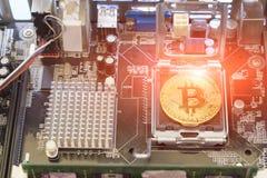 Физическая версия денег Bitcoin новых виртуальных Стоковое Изображение