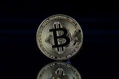 Физическая версия Bitcoin, новых виртуальных денег Стоковое Изображение