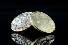 Физическая версия Bitcoin, новых виртуальных денег Стоковое фото RF