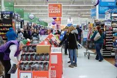 Филадельфия, Пенсильвания 23-ье ноября 2017: Черные покупки пятницы в магазине Стоковая Фотография RF