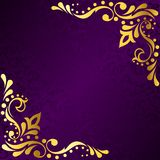 филигранное золото рамки воодушевило пурпуровое сари Стоковое Изображение