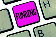 Финансирование текста сочинительства слова Концепция дела для денег обеспечила правительством организации для определенной цели стоковые изображения